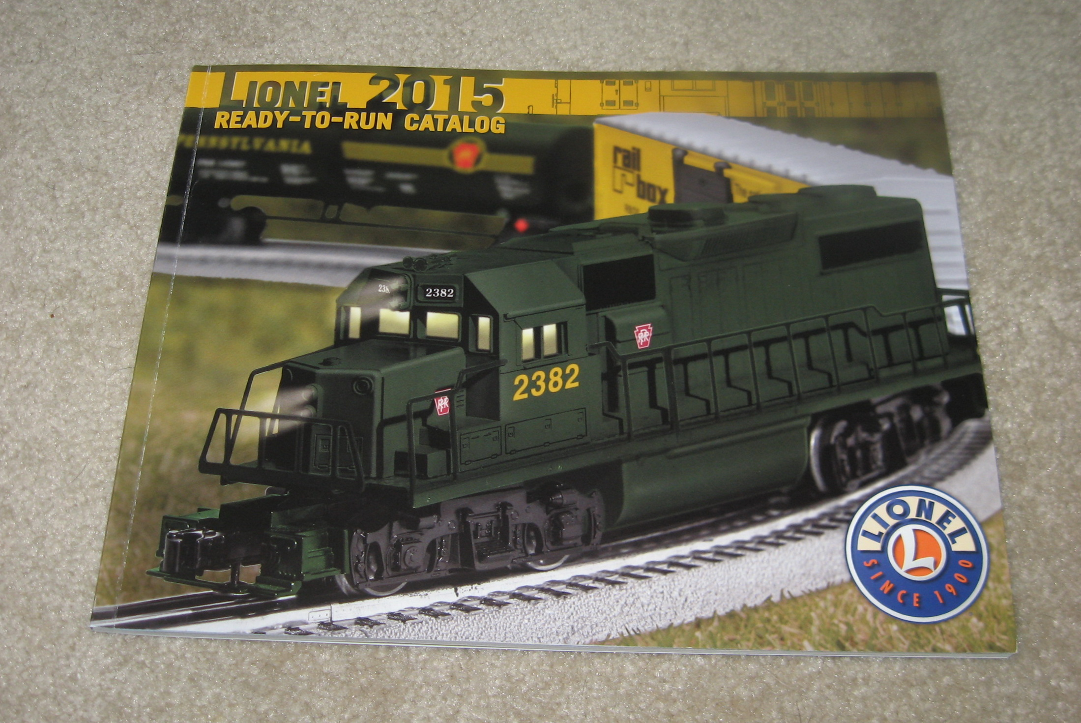 2015 Lionel Trains Ready To Run Catalog. Mint Condition.