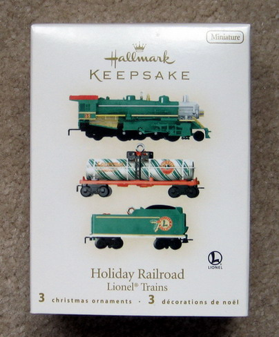 2008 Lionel Green Mikado Miniature Loco, Tender, and Tank Car Set. (QXM8144)