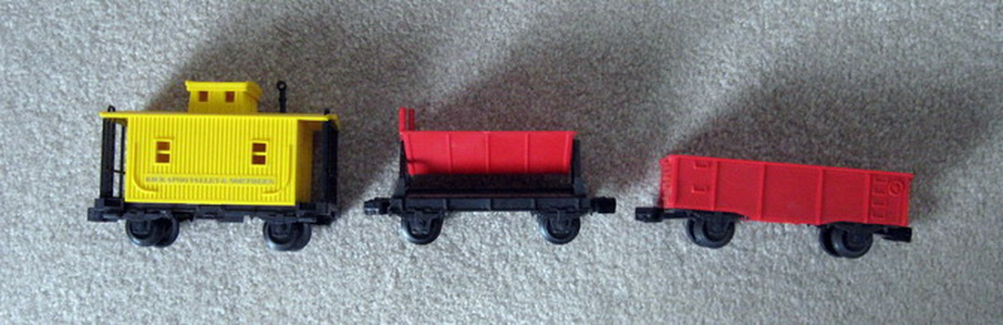 Lionel 6-1280-A Kickapoo Freight Cars. Set of 3. Mint Condition.